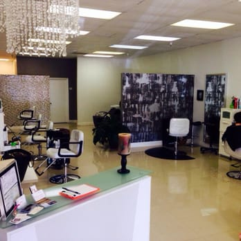 Salon posh 11 reviews hair salons carrollwood for 365 salon success