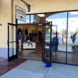 CA, United States. Civilianaire Clothing Store - Outlets @ Camarillo
