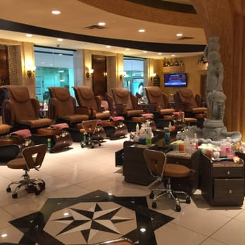 Luxury spa and nails - Brand Discounts