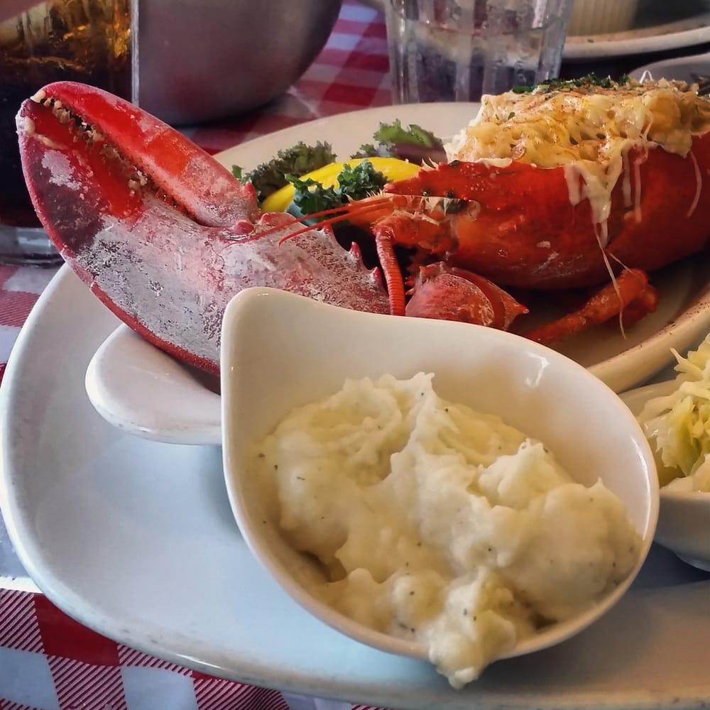 Lobster pot restaurant 50 photos seafood sarasota for Sarasota fish restaurants