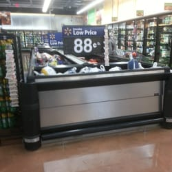 Walmart Neighborhood Market - Henderson, NV, États-Unis. Frozen foods department