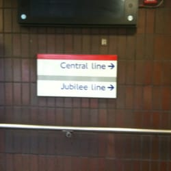This way to the Central and Jubilee platforms...
