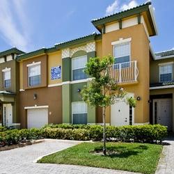Quantum lake villas apartments boynton beach fl for Apartments with private garage