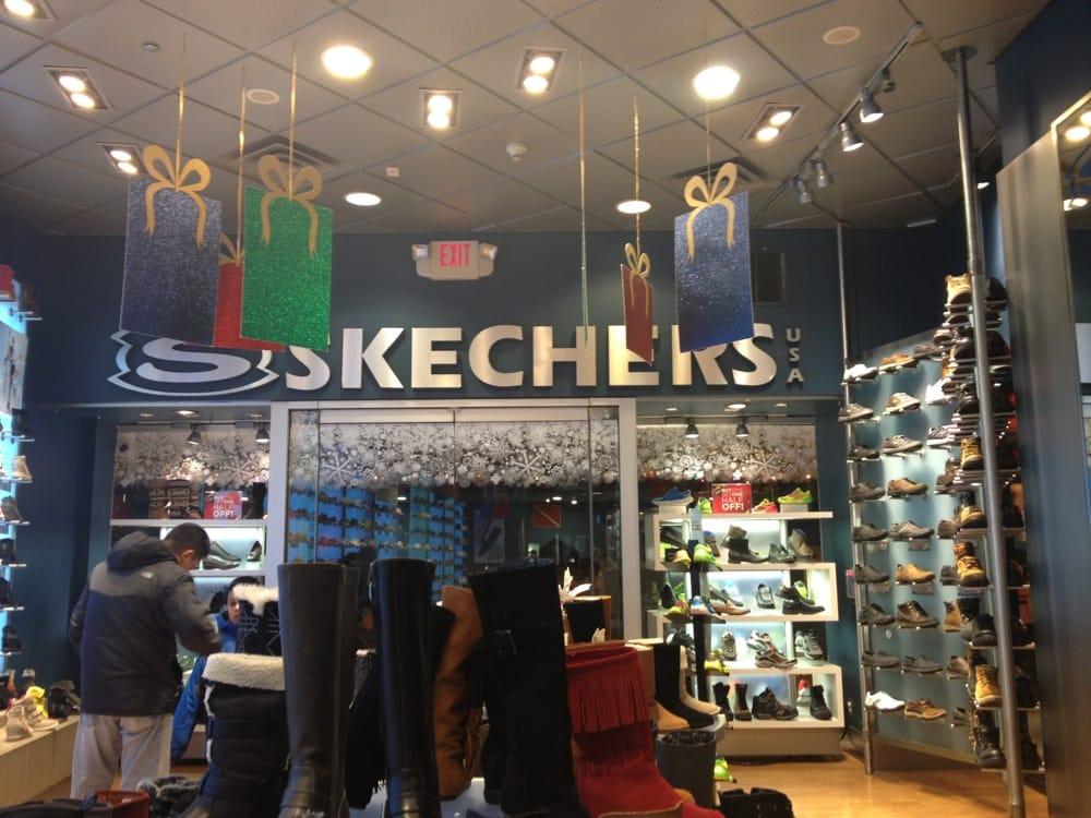Downtown Boston Shoe Stores