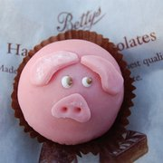 World's yummiest marzipan piglet cupcake