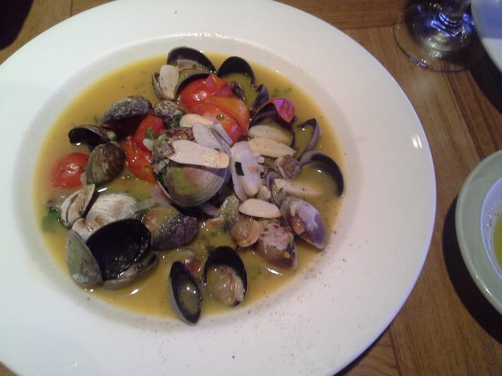 Andrea trattoria ii italian restaurants 4216 park rd for Sea city fish and chicken
