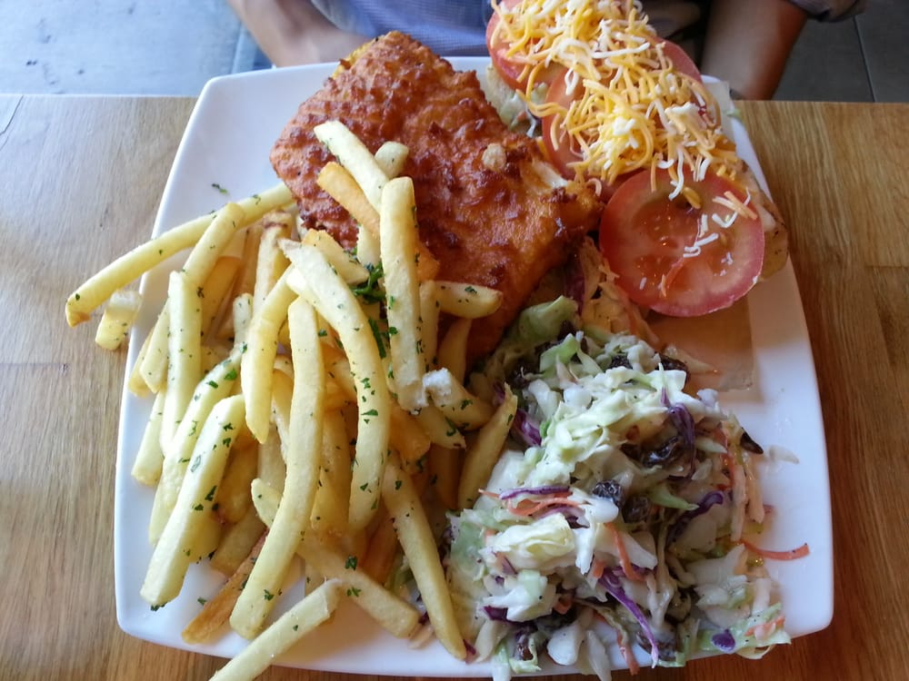 Wahoo cripsy fish sandwich on french baguette 7 yelp for Malibu fish grill