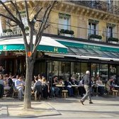 CAFE LES DEUX-MAGOTS - excellent people-watching from a seat at an outside table