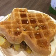 Hampton Inn & Suites - Make your own Texas waffle as part of the complimentary bfast!! - Austin, TX, Vereinigte Staaten