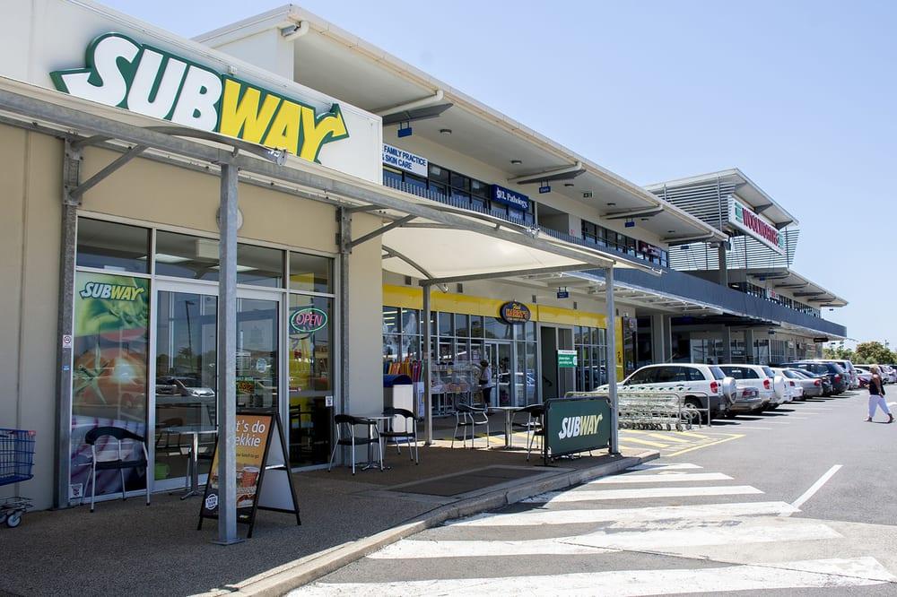 Bargara Australia  city pictures gallery : Bargara Central Shopping Centers Qunaba Queensland, Australia ...