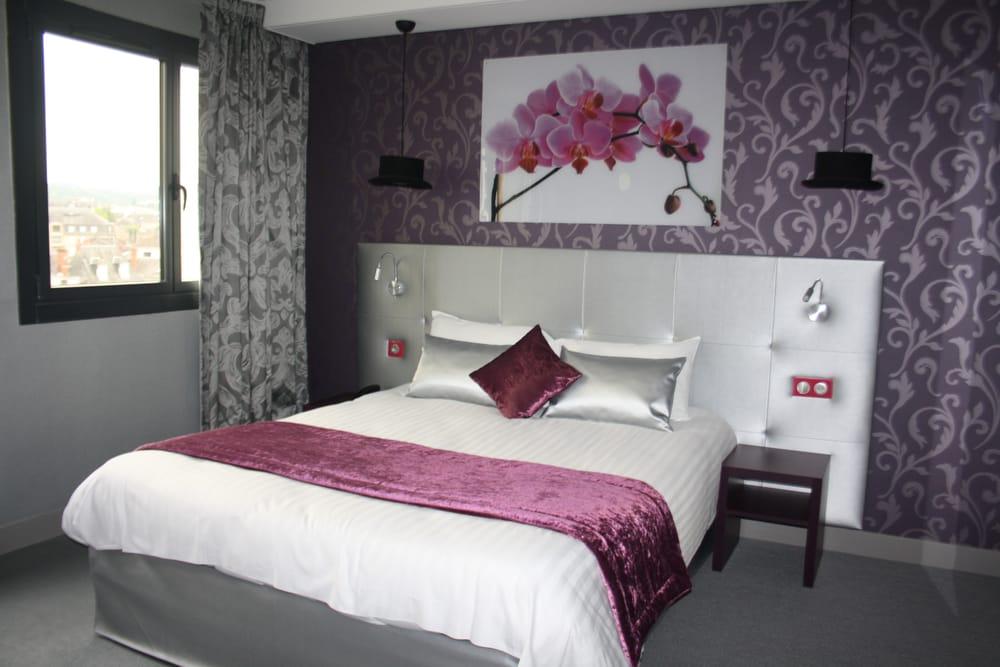 chambre baroque rouge et noir avec des id es int ressantes pour la conception de. Black Bedroom Furniture Sets. Home Design Ideas