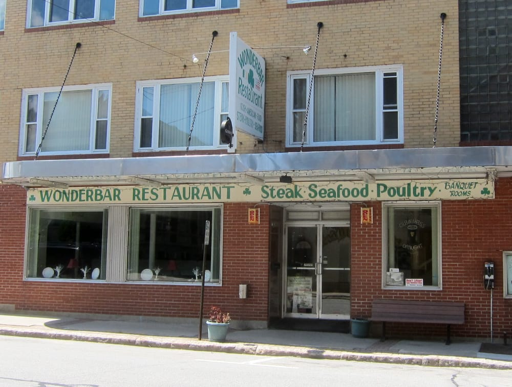 Wonderbar restaurant seafood restaurants biddeford me for Fish restaurants near me