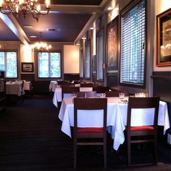 Le manoir 14 photos restaurant italien qu bec qc for Salle a manger yelp