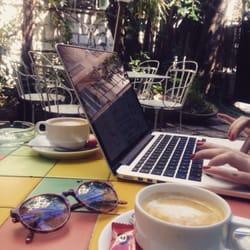 Hôtel Windsor - Nice, France. Un café et boulot !