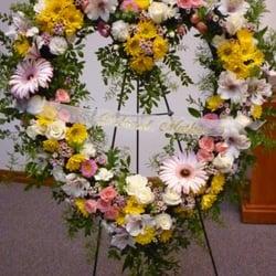 The Gilded Lily - Beautiful Wreath for memorial/funeral - Spokane, WA, Vereinigte Staaten