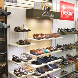 Arlington Mall Shoe Stores