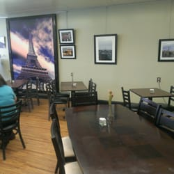 Crepes & Croissants - More of the dining area - Columbia, SC, Vereinigte Staaten