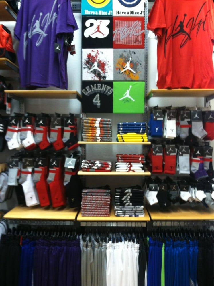 Shoe Stores In Pembroke Pines
