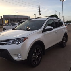 Joe Myers Toyota - Houston, TX, États-Unis. New owner of a new Toyota RAV4 Limited!
