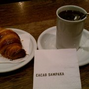 Drinking chocolate y croissant
