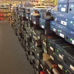 OnMilwaukee.com Marketplace: Rogan's Shoes finds Milwaukee market a good fit