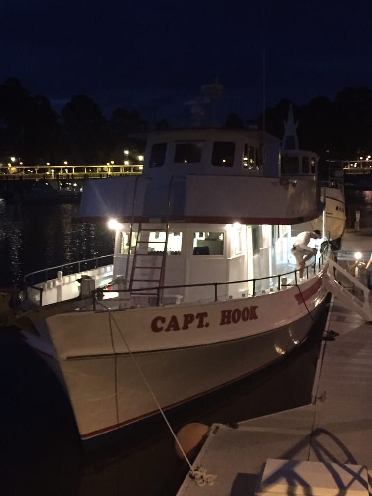 Captain hook party fishing boat hilton head island sc for Party boat fishing near me