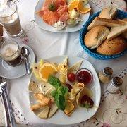 Käsefrühstück mit Vanillemocca und…