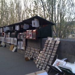 Bouquinistes du bord de Seine, Paris, France
