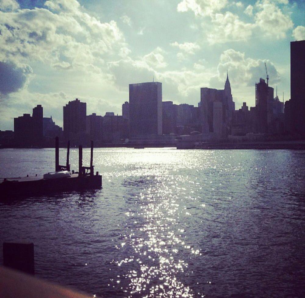 Long Island City Ny: Anable Basin Sailing Bar & Grill
