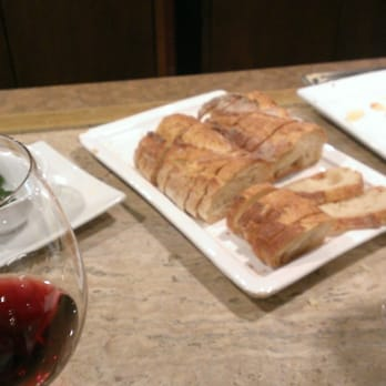 Everson Royce - Love these fixings with wine tasting Tuesdays! - Pasadena, CA, Vereinigte Staaten