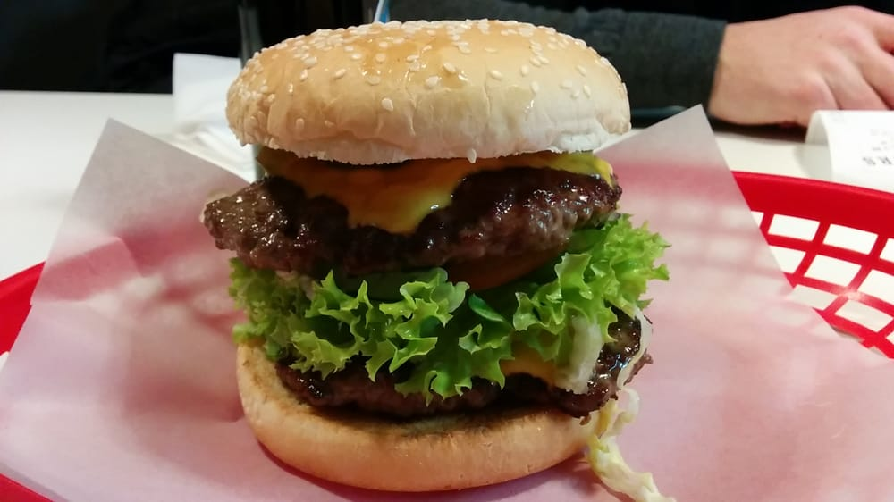 burgers berlin 31 fotos burger friedrichshain. Black Bedroom Furniture Sets. Home Design Ideas