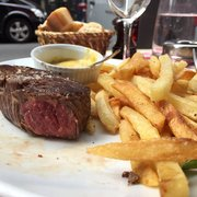 Le Petit Vendôme - Paris, France. Yeah you see that? Medium rare and they mean it. The cut was delicious but I covered it in their delicious sauce.