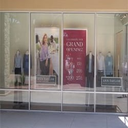 Clothier Jack Henry is closing on the Country Club Plaza after 83