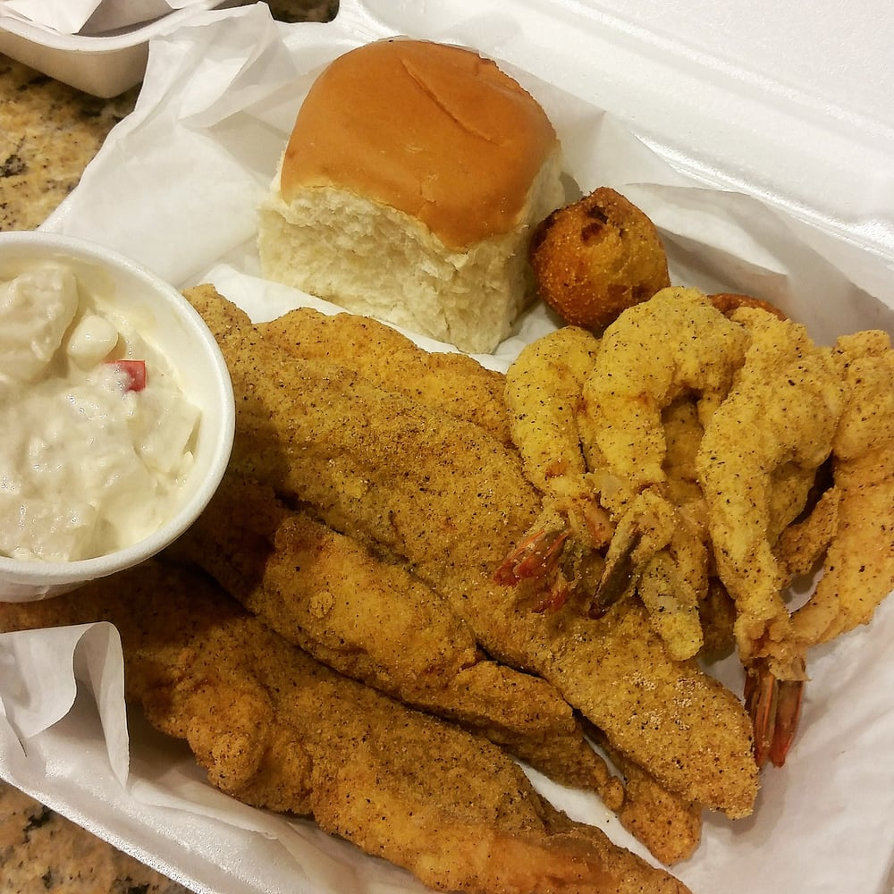 Louisiana pico fish and chicken 34 photos southern for Fishers chicken and fish