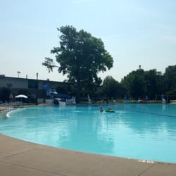 Heman park pool swimming pools university city saint for Garden city pool hours