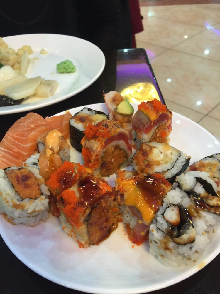 Sushi at the buffet the fish didn 39 t look too fresh yelp for Fish buffet near me