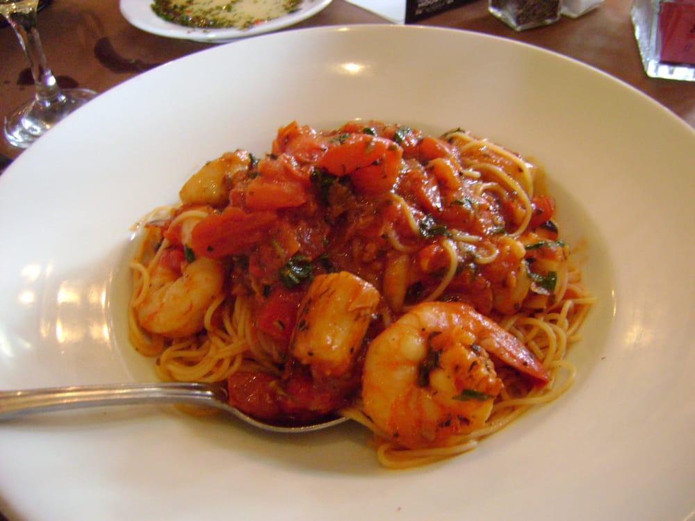 Capellini de Mare-Angel hair pasta w/sauteed shrimp & scallops (only ...