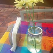 Fiesta's Mexican Grill - Chino, CA, États-Unis. The table decor - inviting :)