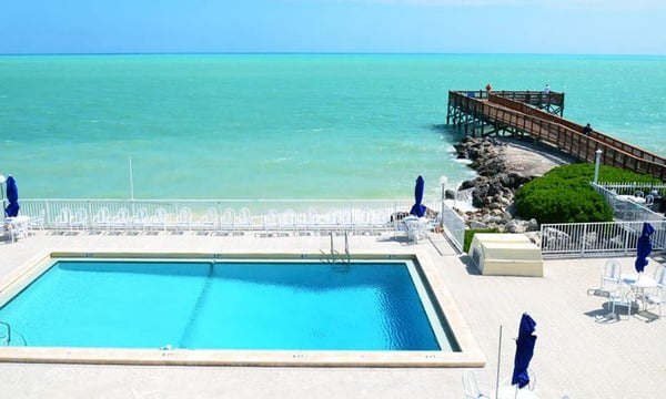 glunz ocean beach hotel resort hotels key colony. Black Bedroom Furniture Sets. Home Design Ideas
