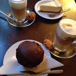 Chocolate muffin & new york cheesecake