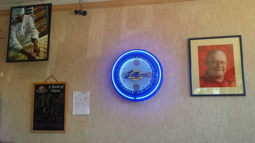 Lamar (CO) United States  City pictures : LaMar's Donuts and Coffee Aurora, CO, United States. Picture of Mr ...