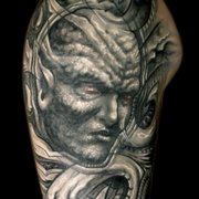 Medusa Tattoo-Piercingstudio, München, Bayern