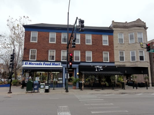 Restaurants Near  N Southport Chicago