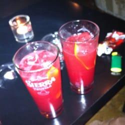 Gin, Zitrone, Himbeere und Soda:…