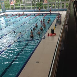 Piscine longchamp 10 photos club de sport uccle for Piscine longchamps