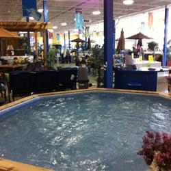 Pioneer family pools indoor showroom contractors for Pool showrooms