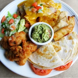 Acapulcos Mexican Family Restaurant & Cantina - Fiesta Sampler Appetizer - Enfield, CT, Vereinigte Staaten