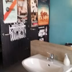 Uni six toilet