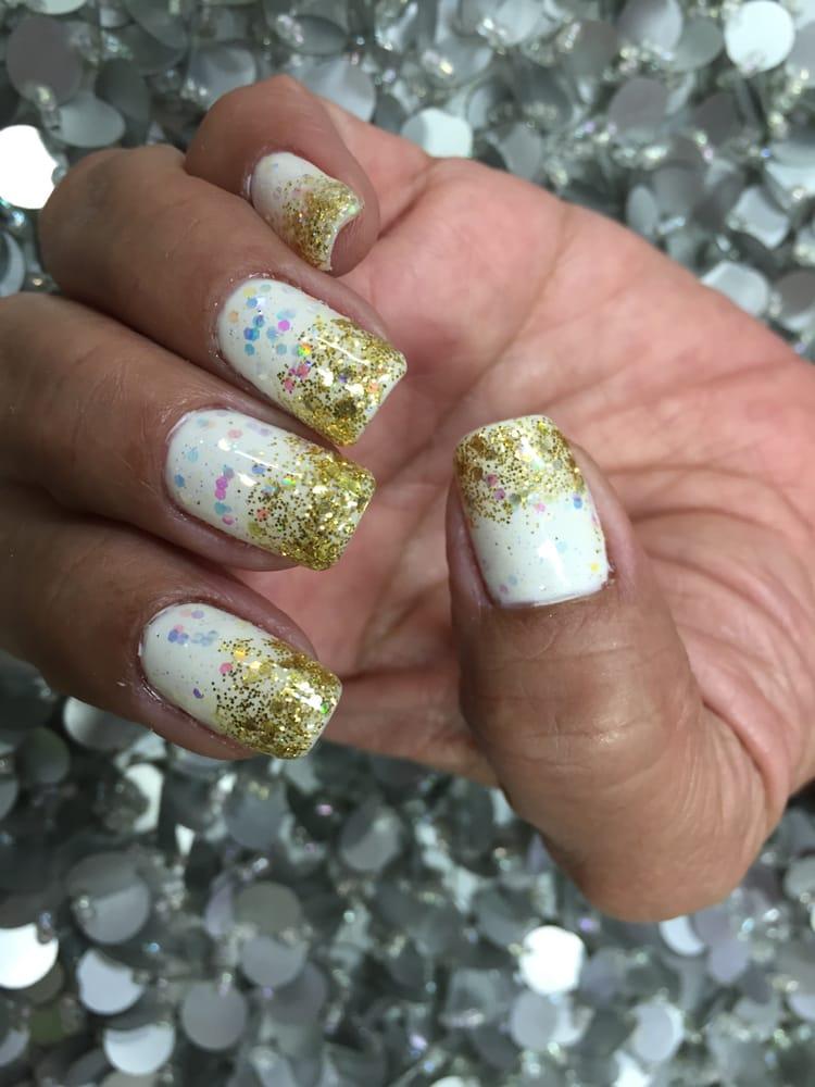 Gold glitter nail tips