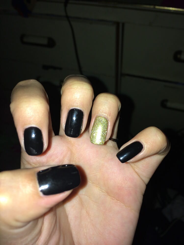 black nails gold accent